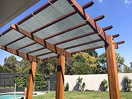 patio pergola to get privacy from two story neighbours